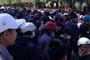 Hàng trăm công nhân đi làm mùng 10 'té ngửa' vì công ty còn nghỉ tết